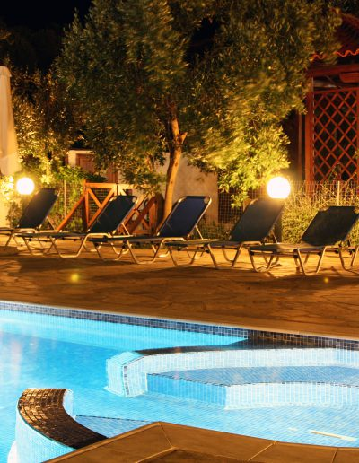 Pool Razi beach Apartments