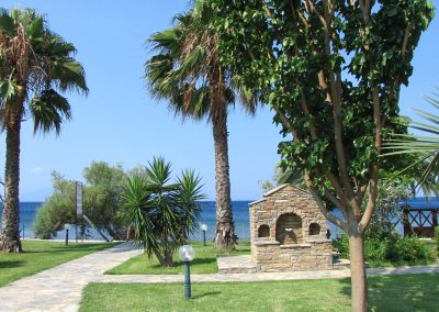 Garden and View Razi beach apartments Lefokastro1