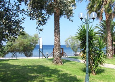 Garden and View Razi beach apartments Lefokastro